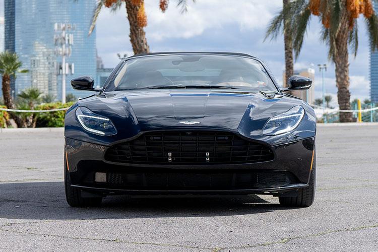 Aston Martin DB11, Black