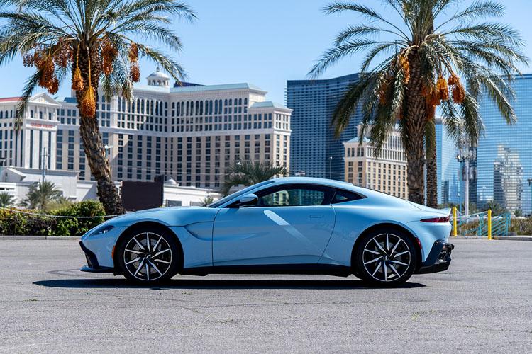 Aston Martin Vantage, Blue