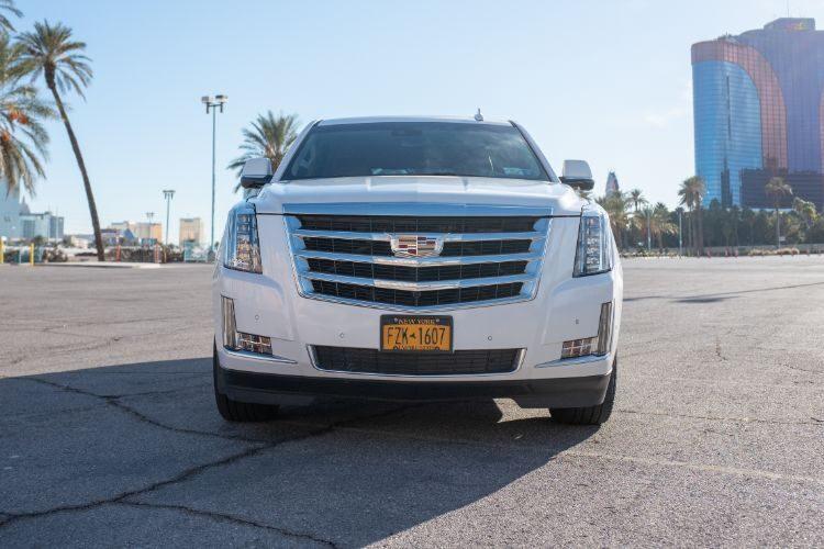 Cadillac Escalade (White)