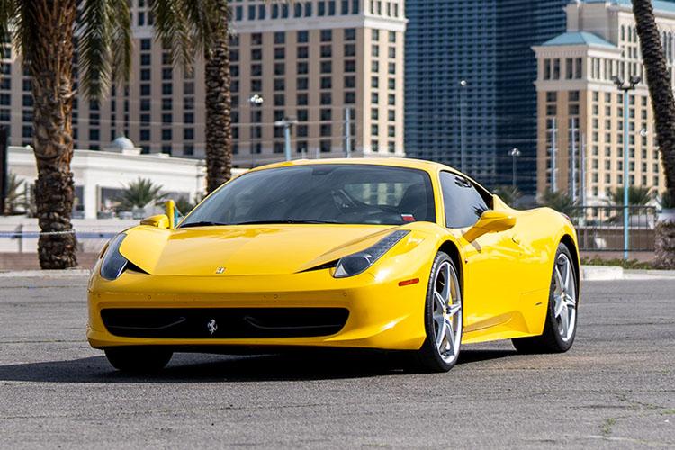 Ferrari 458 Italia Coupe, Yellow