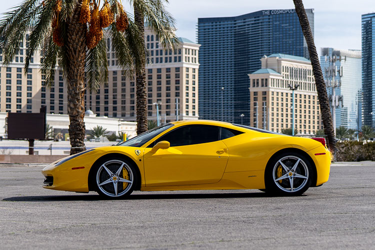 Ferrari 458 Italia Coupe, Yellow