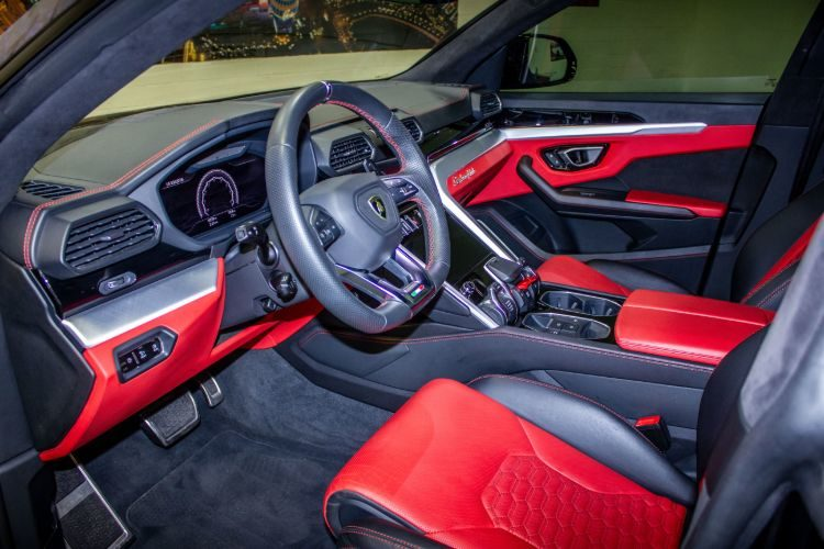 Lamborghini Urus Rally Interior