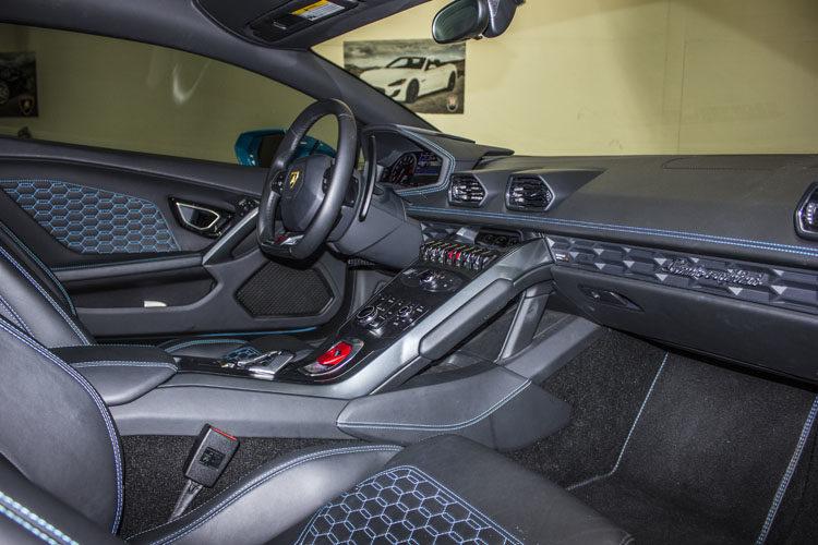 Lamborghini Huracan Baby Blue Interior