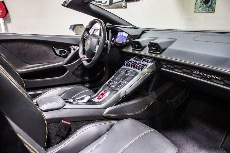 Lamborghini Huracán Spyder, Silver Diamond, Interior