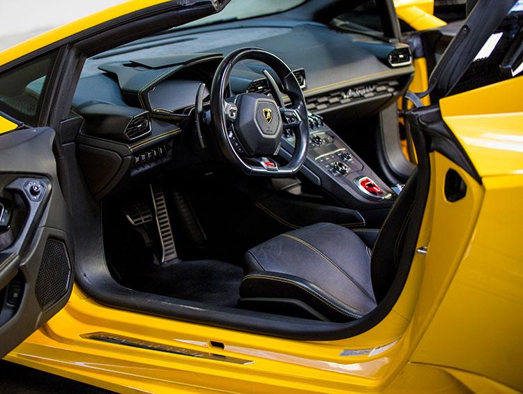 Lamborghini Huracan Spyder Yellow