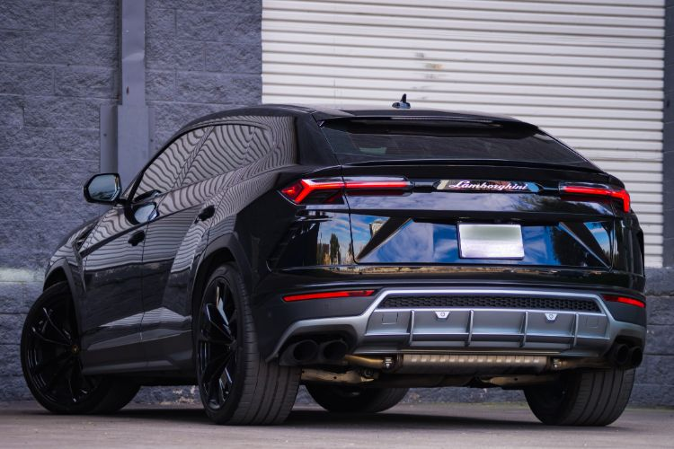 Lamborghini Urus Black