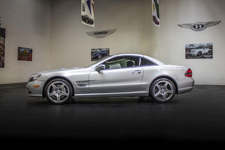 Mercedes Benz sl550 Silver