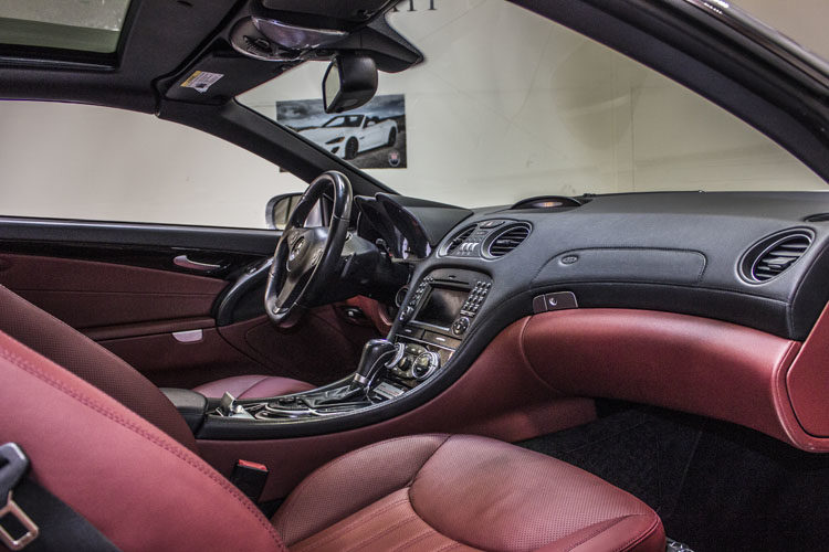 Mercedes Benz sl550 Silver Interior