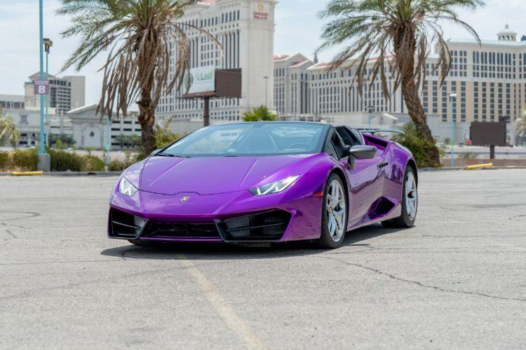 Lamborghini Huracán Spyder Purple