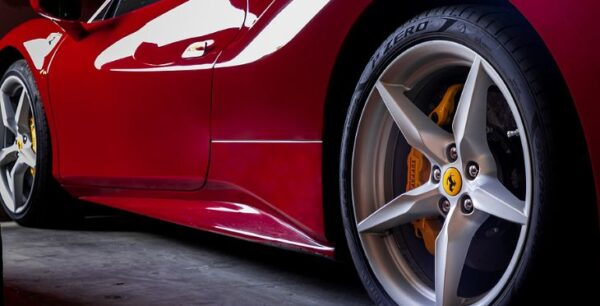 Sports Car Vs Supercar: What's The Difference?